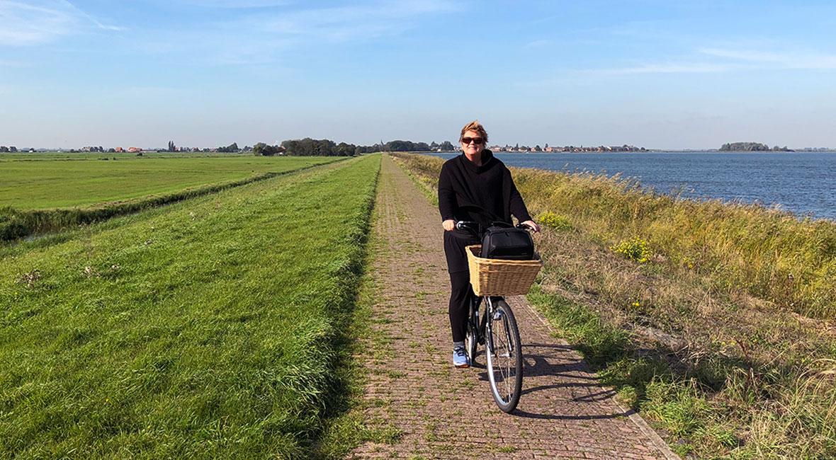 anna cyklar