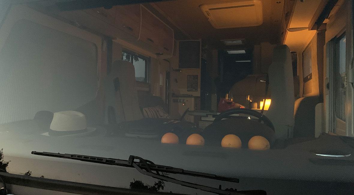 mörka mornar i husbilen