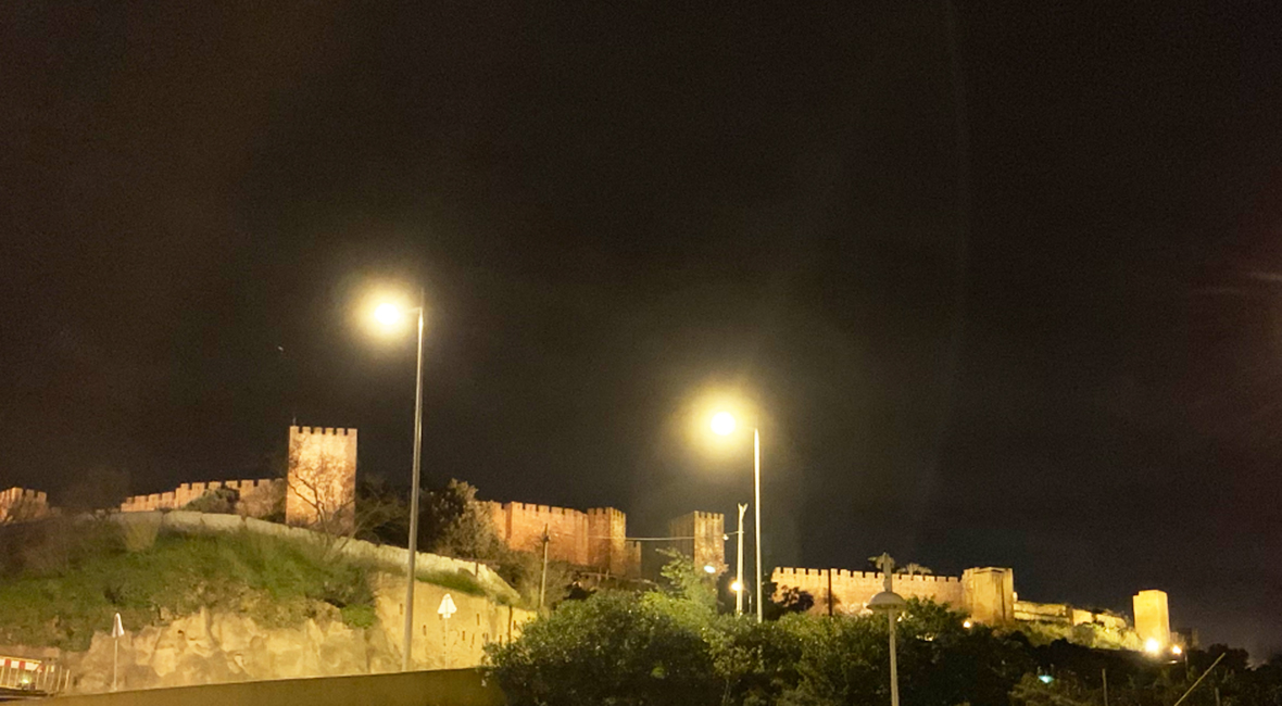 silves-castle-by-night