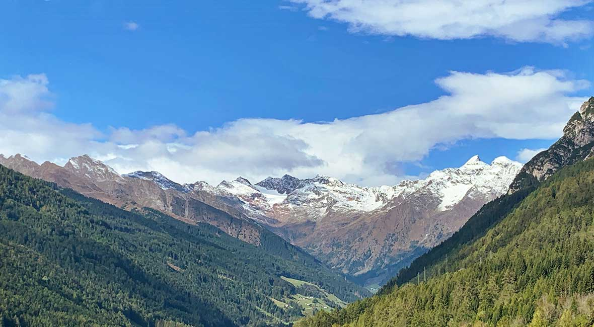Vacker färd över Dolomiterna