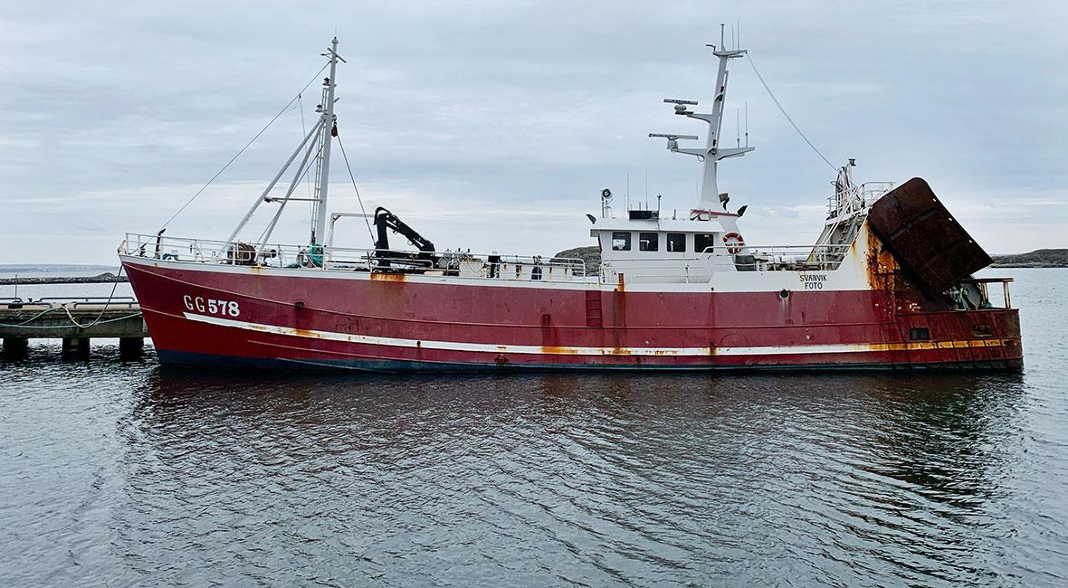 båt i fotö hamn