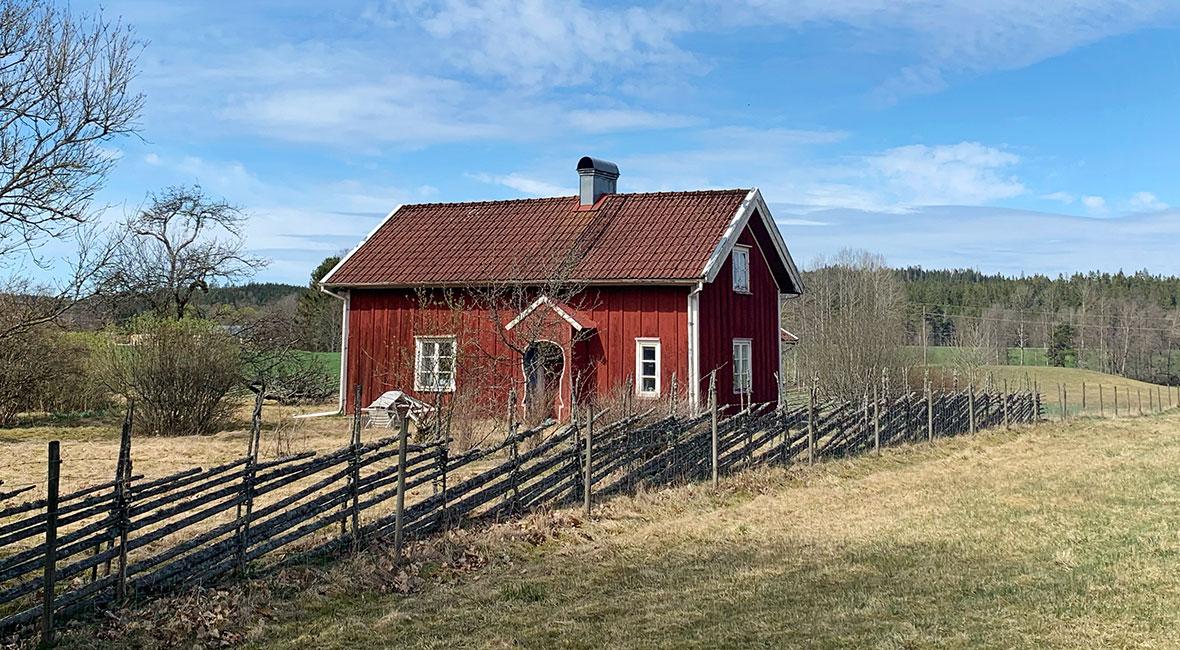 Firar Valborg med bilder från den svenska landsbygden