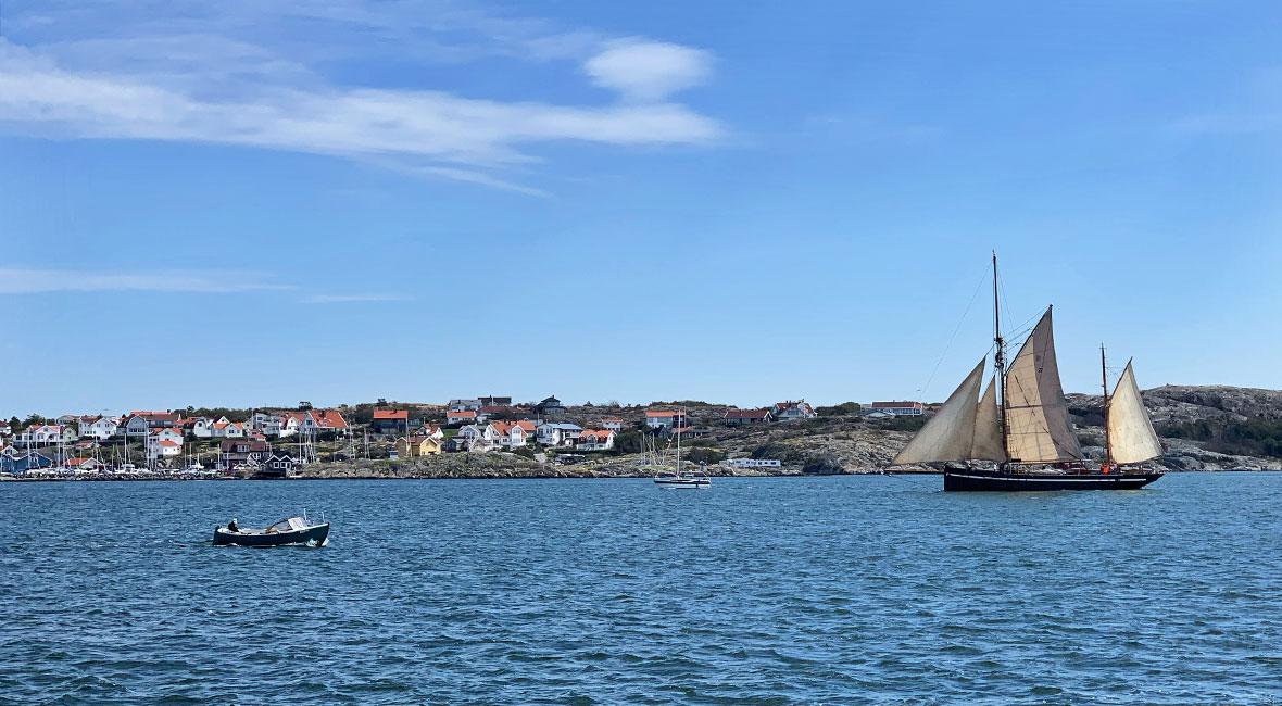Stillasittande båtspaning på Hälsö