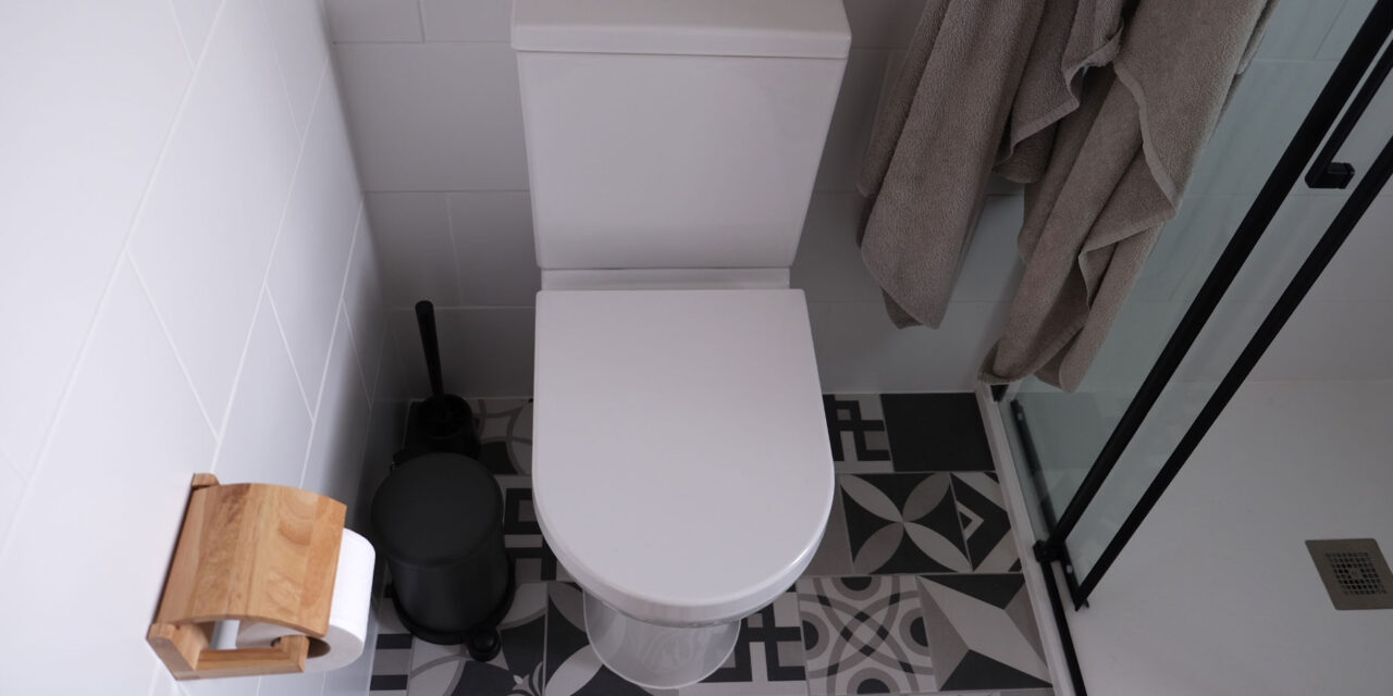 Stött på patrull i badrummet